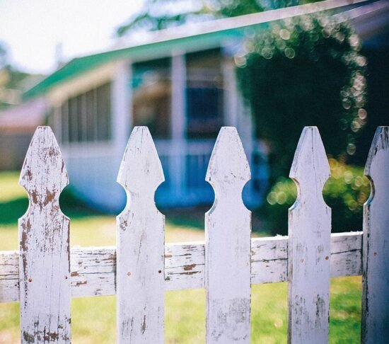 Build A Simple & Small Garden Fence (Low Cost Ideas)