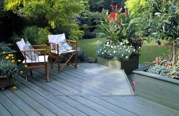 How to landscape patios and small gardens the garden glove for Garden and patio designs