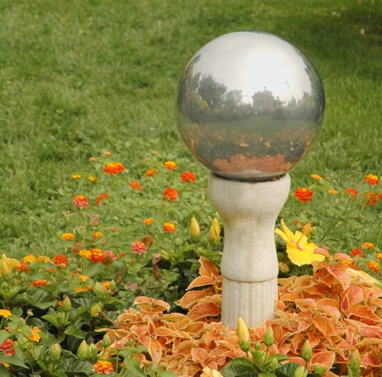 DIY Mirrored Gazing Balls for the Garden
