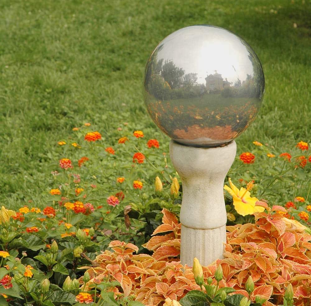 DIY Mirrored Gazing Balls for the Garden