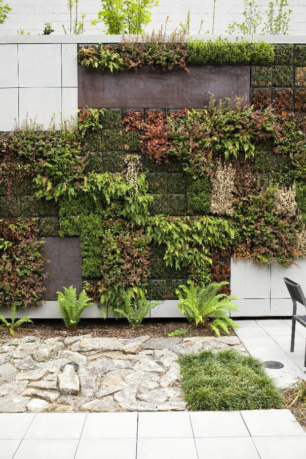 Gardening inspiration what simple and extreme gardens can for Garden wall designs
