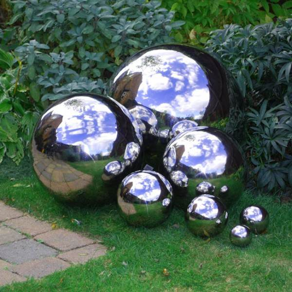 how to make mirrored gazing balls for the garden the. Black Bedroom Furniture Sets. Home Design Ideas