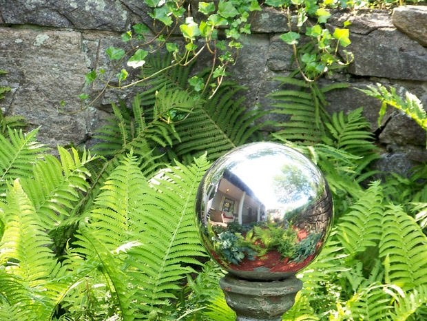 How to Make Mirrored Gazing Balls for the Garden The Garden Glove