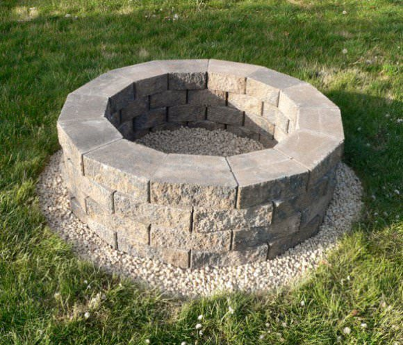 How To Build A Backyard DIY Fire Pit
