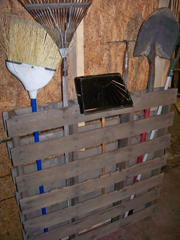 pretty garage ideas - 5 DIY Garden Ideas for Wood Pallets