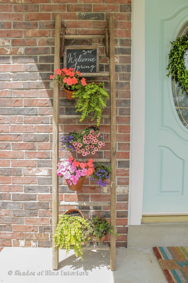 12 space saving ideas for a vertical garden garden pics for Cheap vertical garden