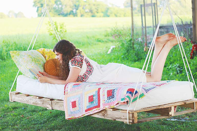 Diy Outdoor Hanging Amp Swing Beds For Your Porch Amp Garden