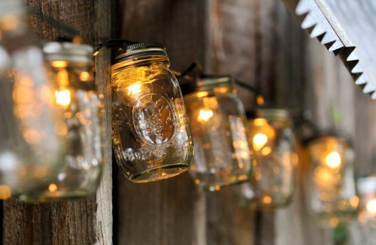 5 Gorgeous Outdoor Mason Jar Lights