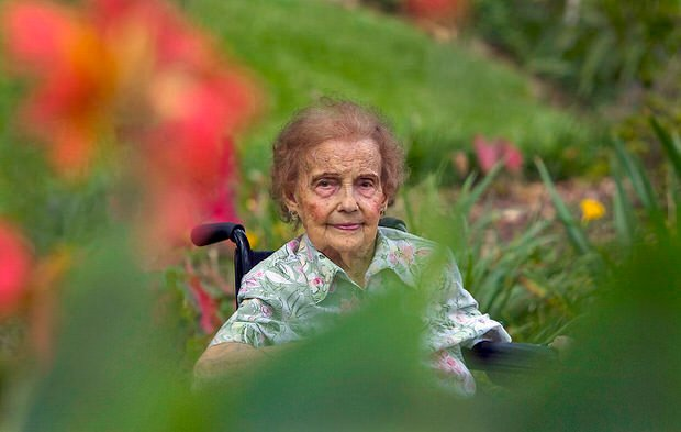 Healing gardens 105 year-old with her garden