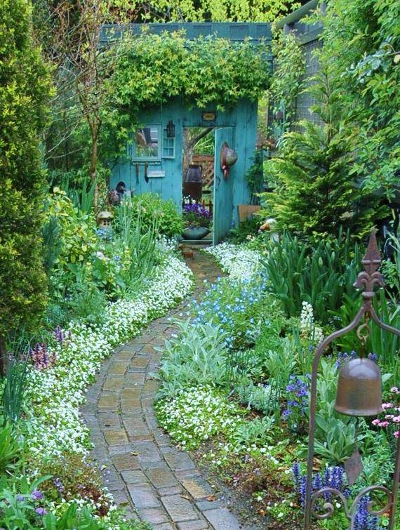 Pretty Backyard Gardens : Beautiful Backyards Inspiration for Garden Lovers!  The Garden Glove