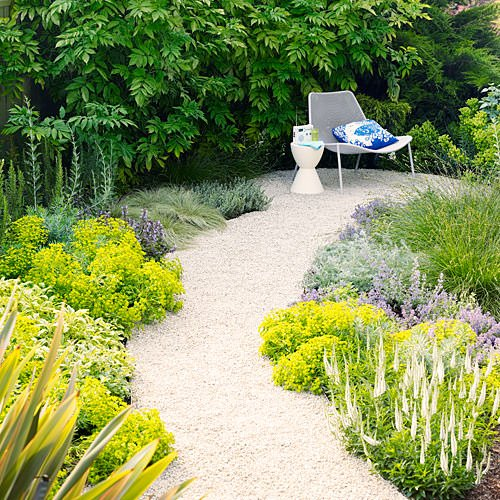 Diy garden paths the garden glove - Garden pathway design ideas with some natural stones trails ...