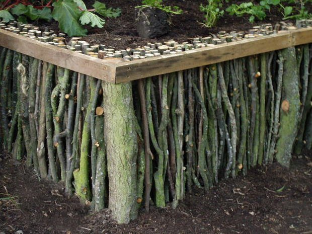 Creative Garden Edging Ideas here are 25 creative lawn and garden edging ideas that will inspire you to create your own green paradise Sticks Edging
