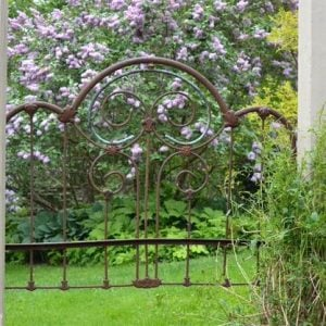 DIY Garden Gate Ideas Using Repurposed Materials