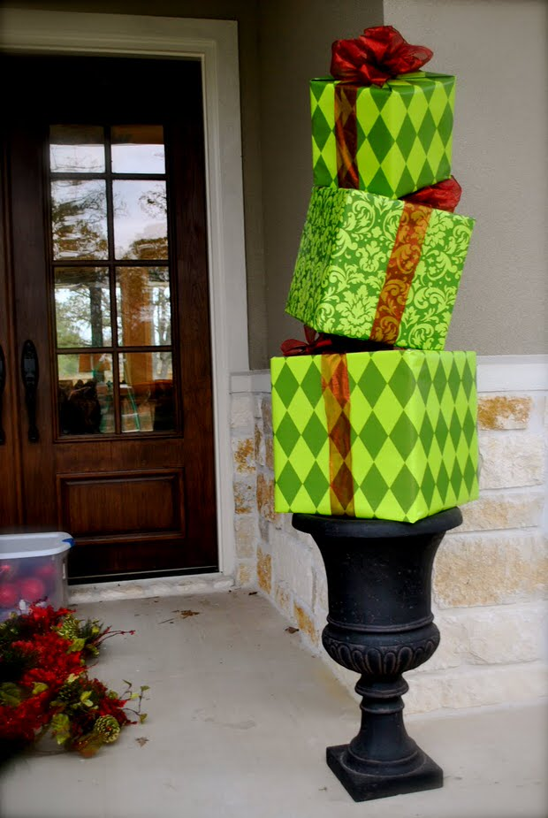 diy outdoor christmas decorating the garden glove