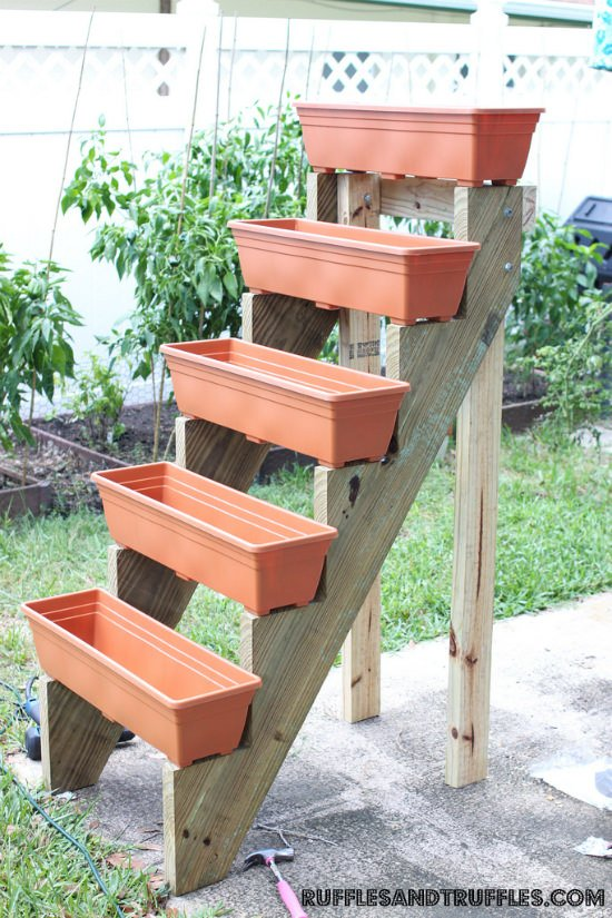 Outdoor planter projects the garden glove for Vertical garden planters diy