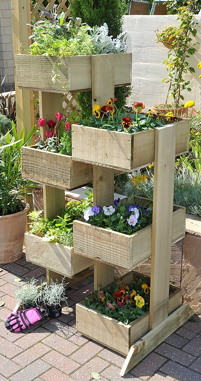 Bed designs can be creative and very original shelves and drawers - Outdoor Planter Projects The Garden Glove