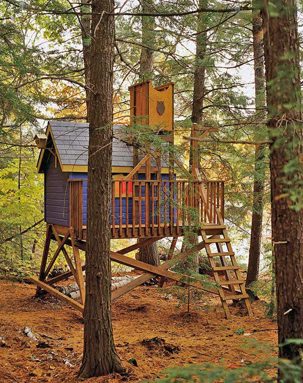 Treehouse forts playhouse castle on pinterest wooden for Free treehouse plans