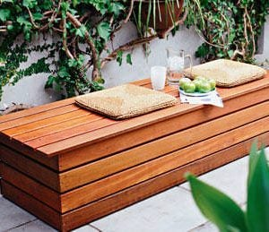13 Awesome Outdoor Bench Projects- Outdoor Storage Bench
