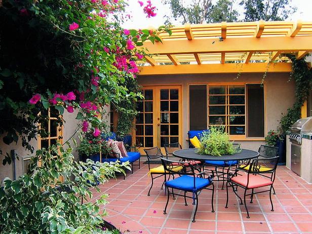 Smart-Chic-Outdoor_Grabel-color-porch_s4x3_lg