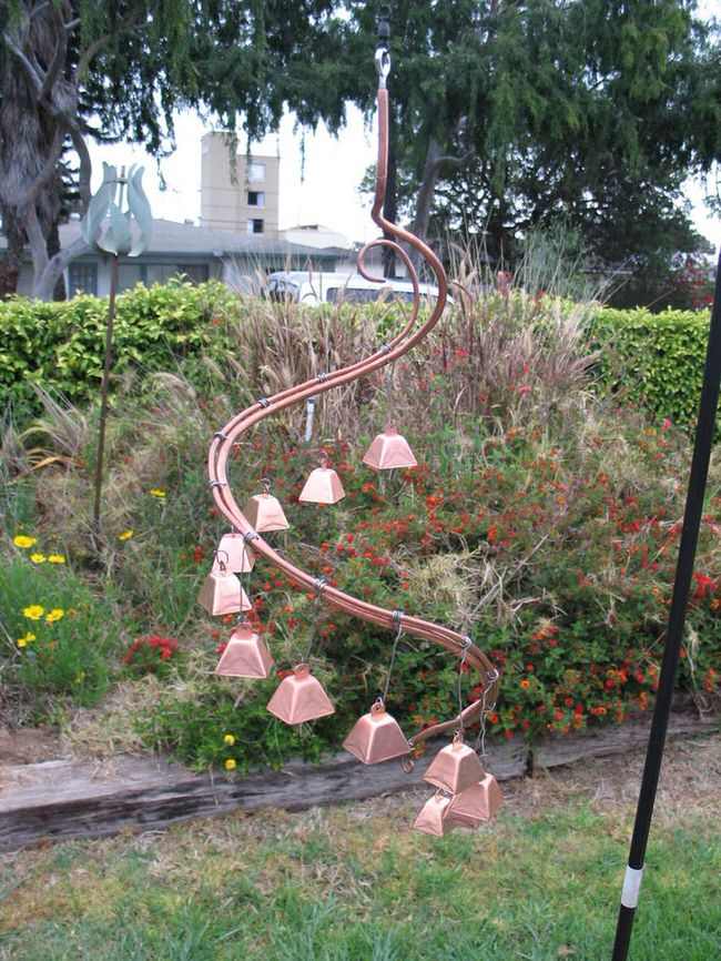 13 crafty diy wind chimes the garden glove for Homemade chimes