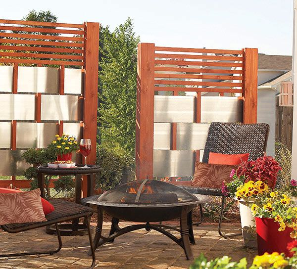 Diy patio privacy screens the garden glove for Wood patio privacy screens