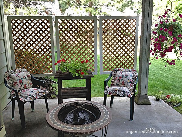 Diy patio privacy screens the garden glove for Patio deck privacy screen