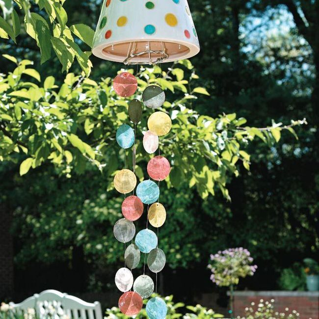 13 crafty diy wind chimes the garden glove for Easy to make wind chimes
