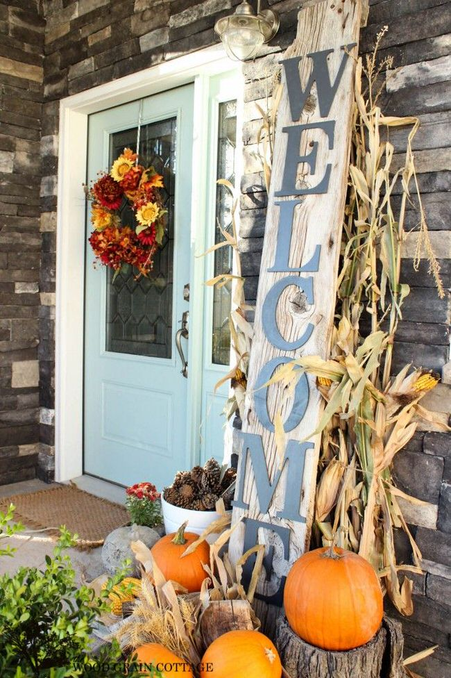 Diy fall front door decorations the garden glove for Fall patio decorating ideas