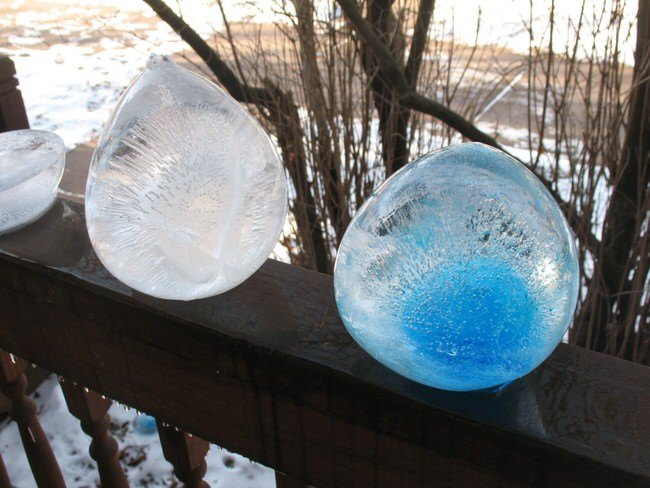 7 Outdoor Crafts with Ice