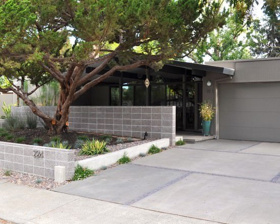 5 Ways to Use Cinder Blocks in the Garden | The Garden Glove on Backyard Cinder Block Wall Ideas id=85323