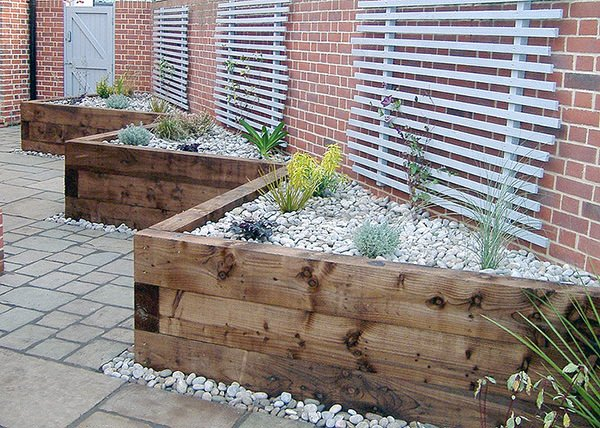 Diy Garden Retaining Walls on small flower garden landscaping ideas