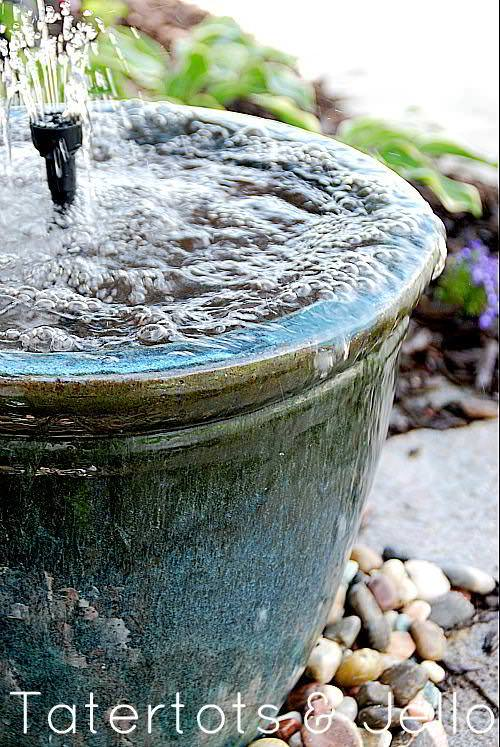 closeup-of-recirculating-water-fountain