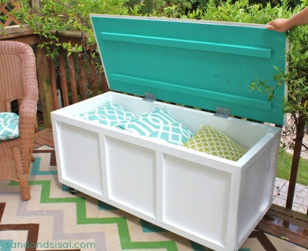 DIY Outdoor Storage Benches & DIY Outdoor Storage Benches | The Garden Glove