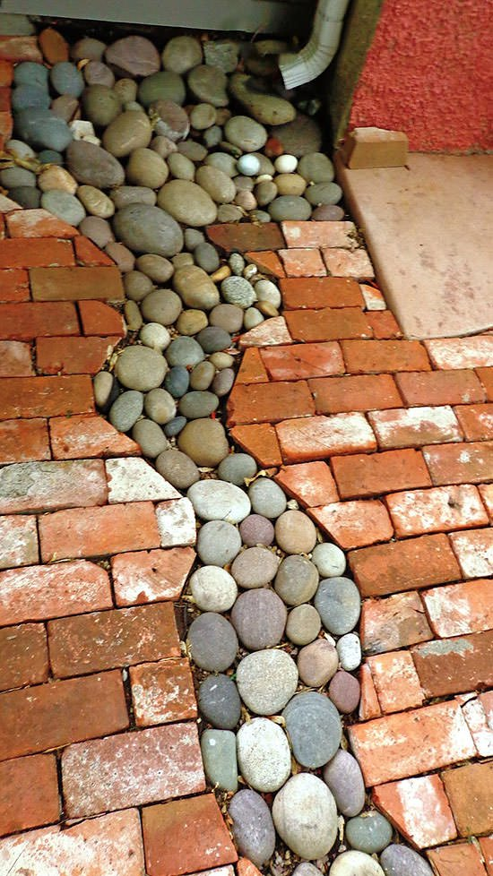 Diy garden projects with rocks the garden glove for How to build a river rock patio