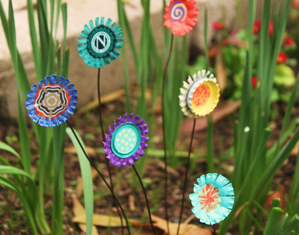 Make These Copper Garden Art Flowers With This Tutorial From Stephanie At Therapy Made Sheeting Pretty Decoration Ideas