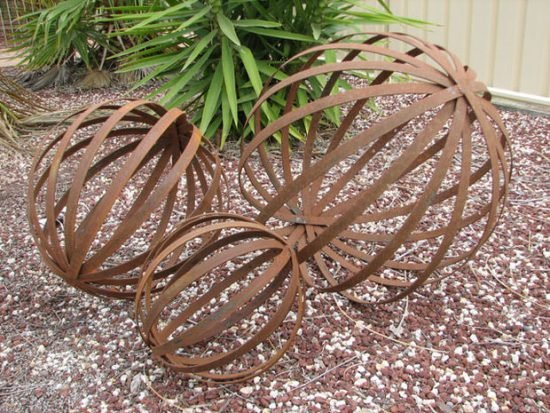 Rusty Metal Garden Decor