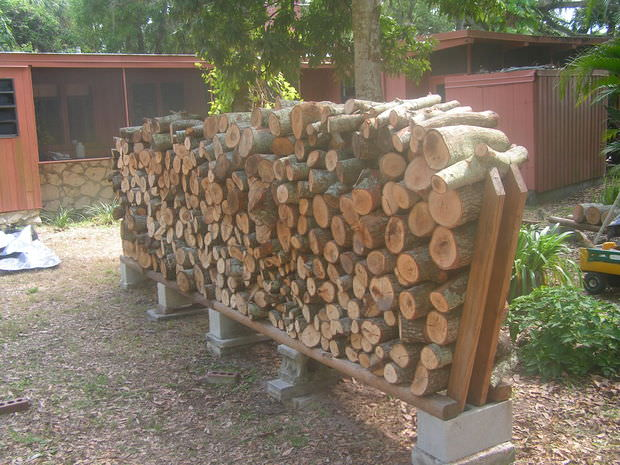 Super easy DIY firewood racks -6