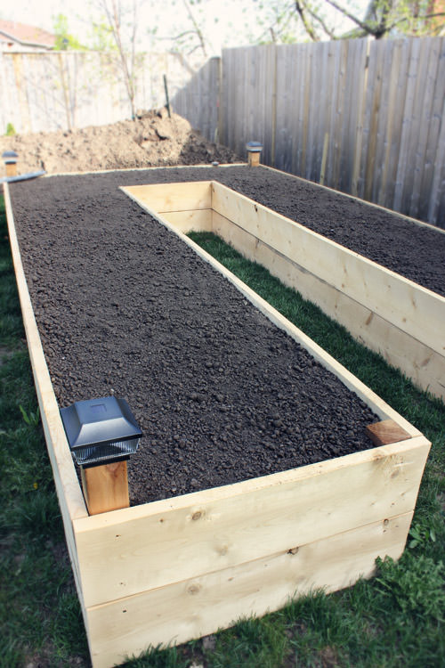 diy raised garden beds planter boxes the garden glove. Black Bedroom Furniture Sets. Home Design Ideas