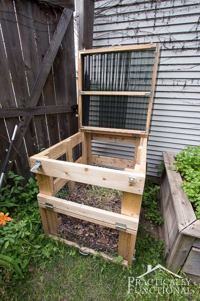 Charming DIY Compost Bins 2
