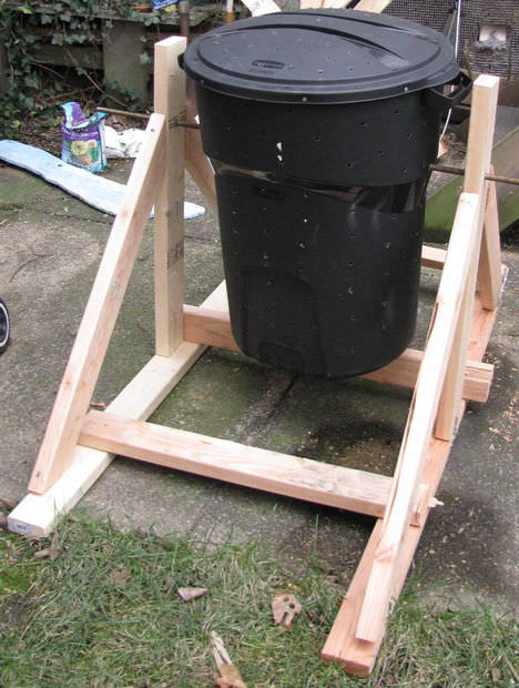 DIY compost bins-5