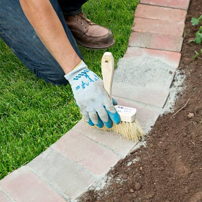 Beautiful classic lawn edging ideas the garden glove for How to edge a flower bed
