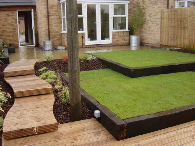 Beautiful classic lawn edging ideas the garden glove for Garden designs sleepers
