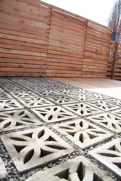 9 diy cool creative patio flooring ideas the garden glove creative patio floors 7 solutioingenieria Image collections