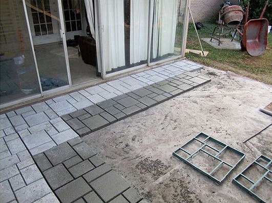 9 diy cool creative patio flooring ideas the garden glove for Concrete floor covering ideas