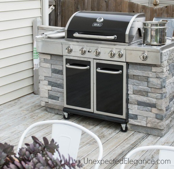Diy outdoor kitchens and grilling stations the garden glove for Building an outdoor kitchen