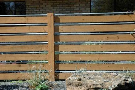 Backyard Fancy Fence Ideas 5