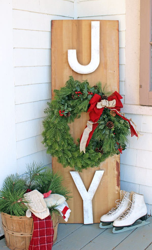 Diy Christmas Sign Ideas For The Front Porch The Garden Glove
