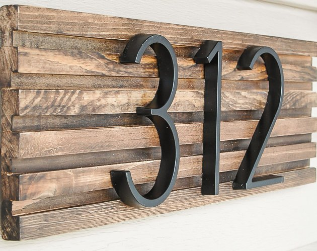 5cf5819f4620 Go check out her tutorial! BTW, this address plaque looks amazing on her  farmhouse style home, so you don't have to have a modern house for this  style to ...