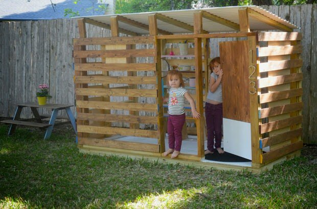 How to build a backyard playhouse the garden glove for Easy to build playhouse