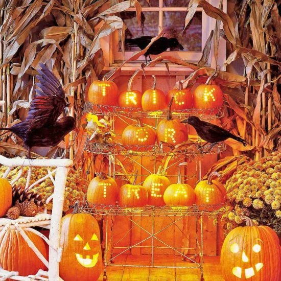 Front Porch & Outdoor Halloween Decorating Ideas